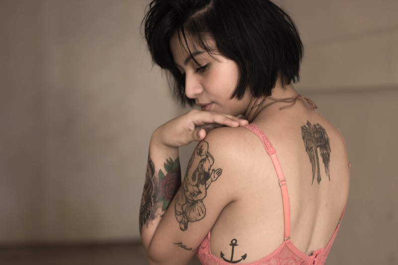 La cura del tatuaggio è necessaria anche dopo che il tuo tatuaggio è guarito